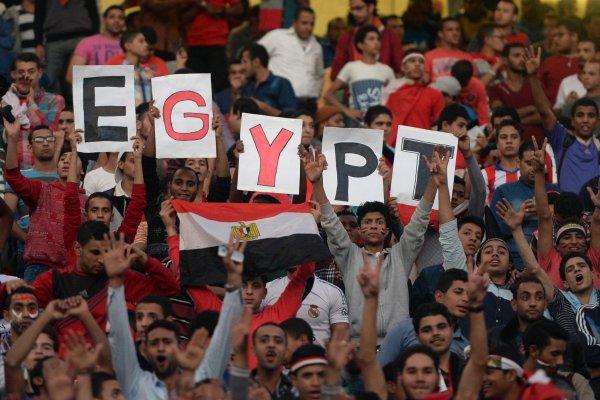 В Петербурге египетские и российские фанаты устроили дуэль кричалок